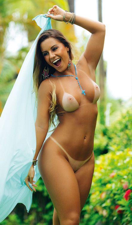 Сочные голые бразильские девушки видеоролики