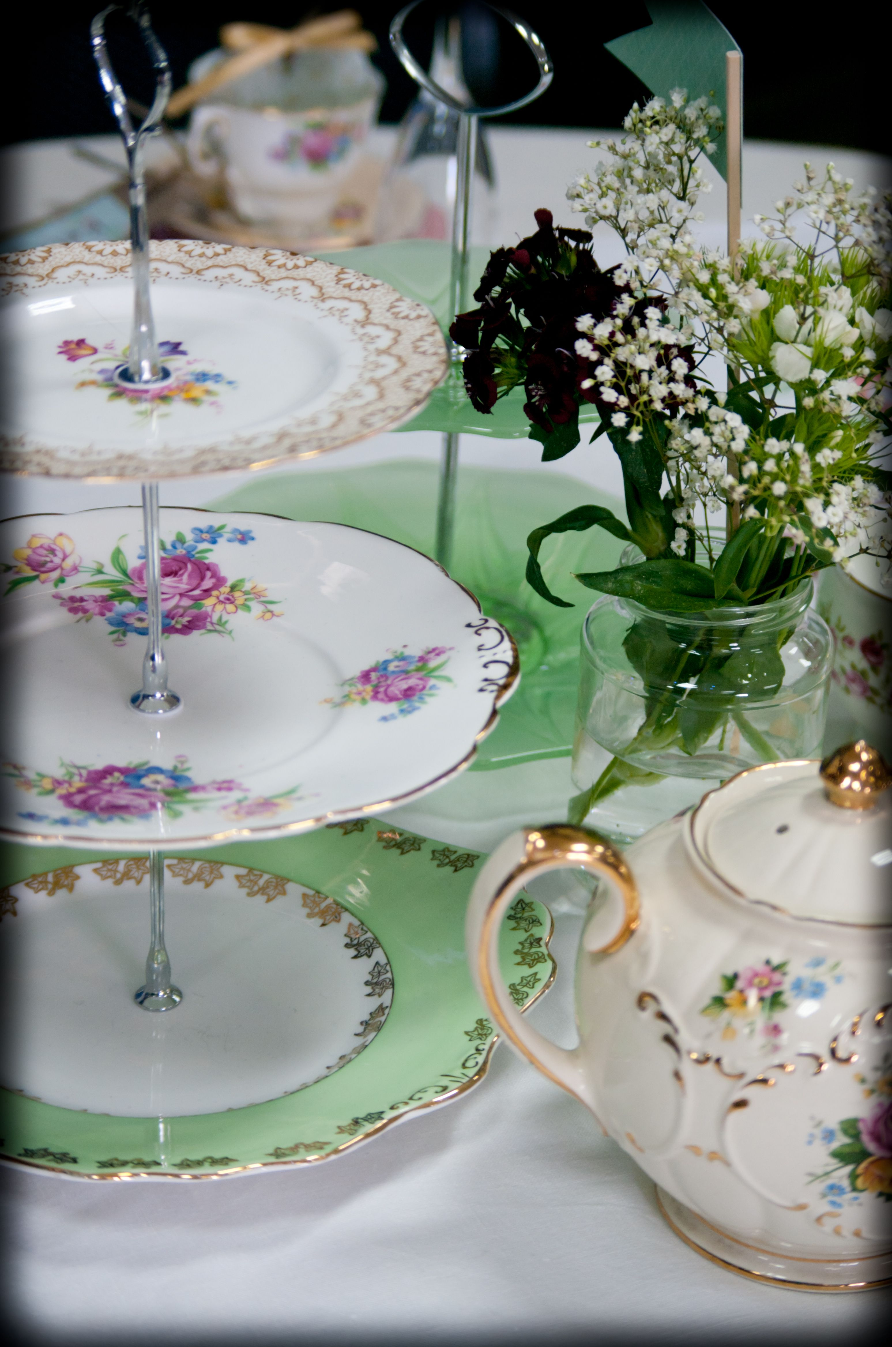 Cake stands available to hire from itsy bitsy vintage