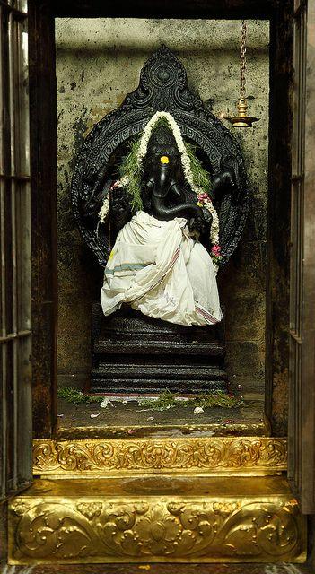 Black Stone Ganesh Statue Hindu Shrine Meenakshi Sundareshwarar Temple Maduari Tamil Nadu State India Ganesha Pictures Ganesh Art Ganesh Statue