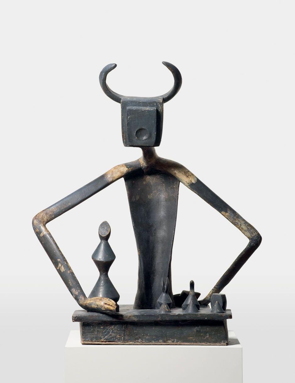 Sculpture en bronze de Max Ernst, crée en 1944 et intitulé «Le Roi jouant avec la Reine»