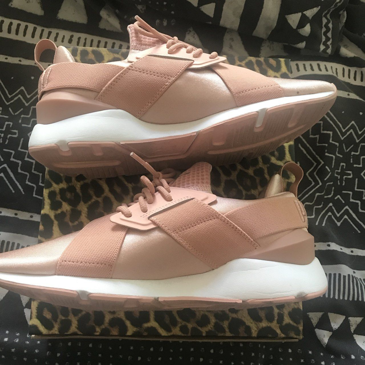 b5ee0d6142 Puma muse size 7 Worn once Free shipping - Depop