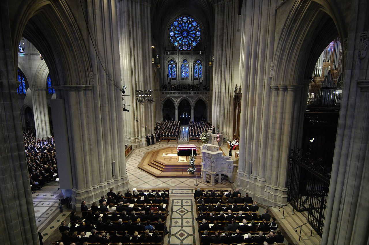 The casket of President Gerald Ford lies in place at the