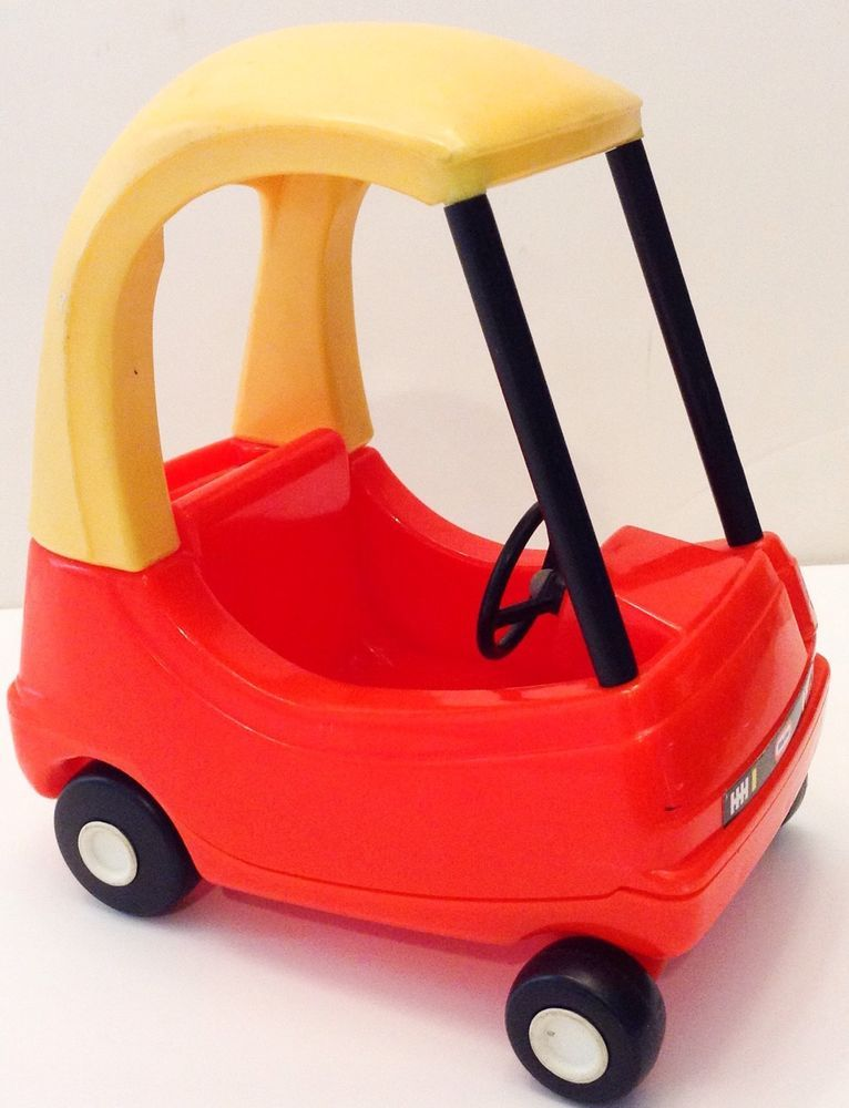 little tikes dollhouse size cozy coupe car red yellow usa door opens littletikes toys. Black Bedroom Furniture Sets. Home Design Ideas