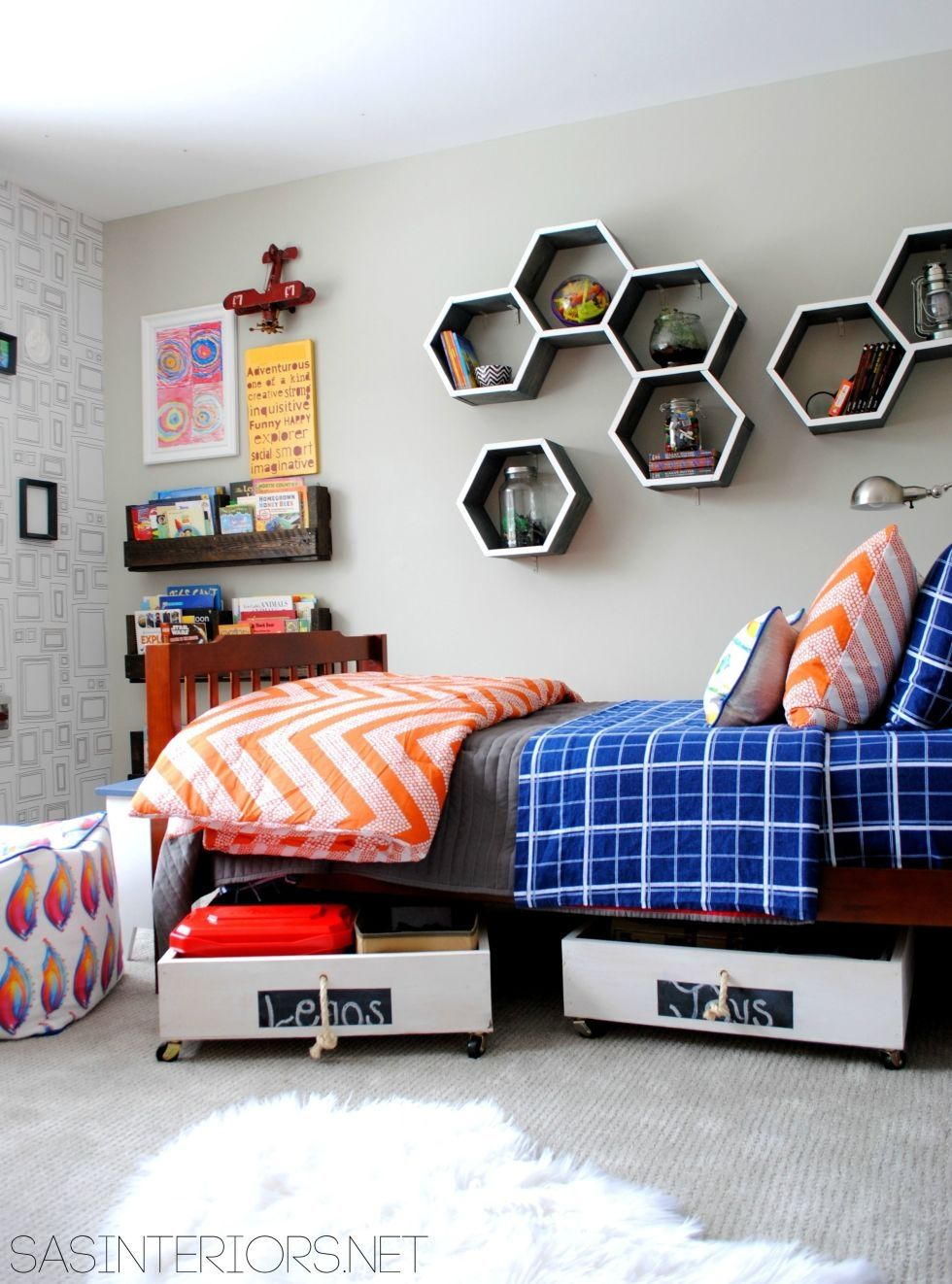Choosing A Perfect Wall Shelves For Kids Room Boys Bedroom