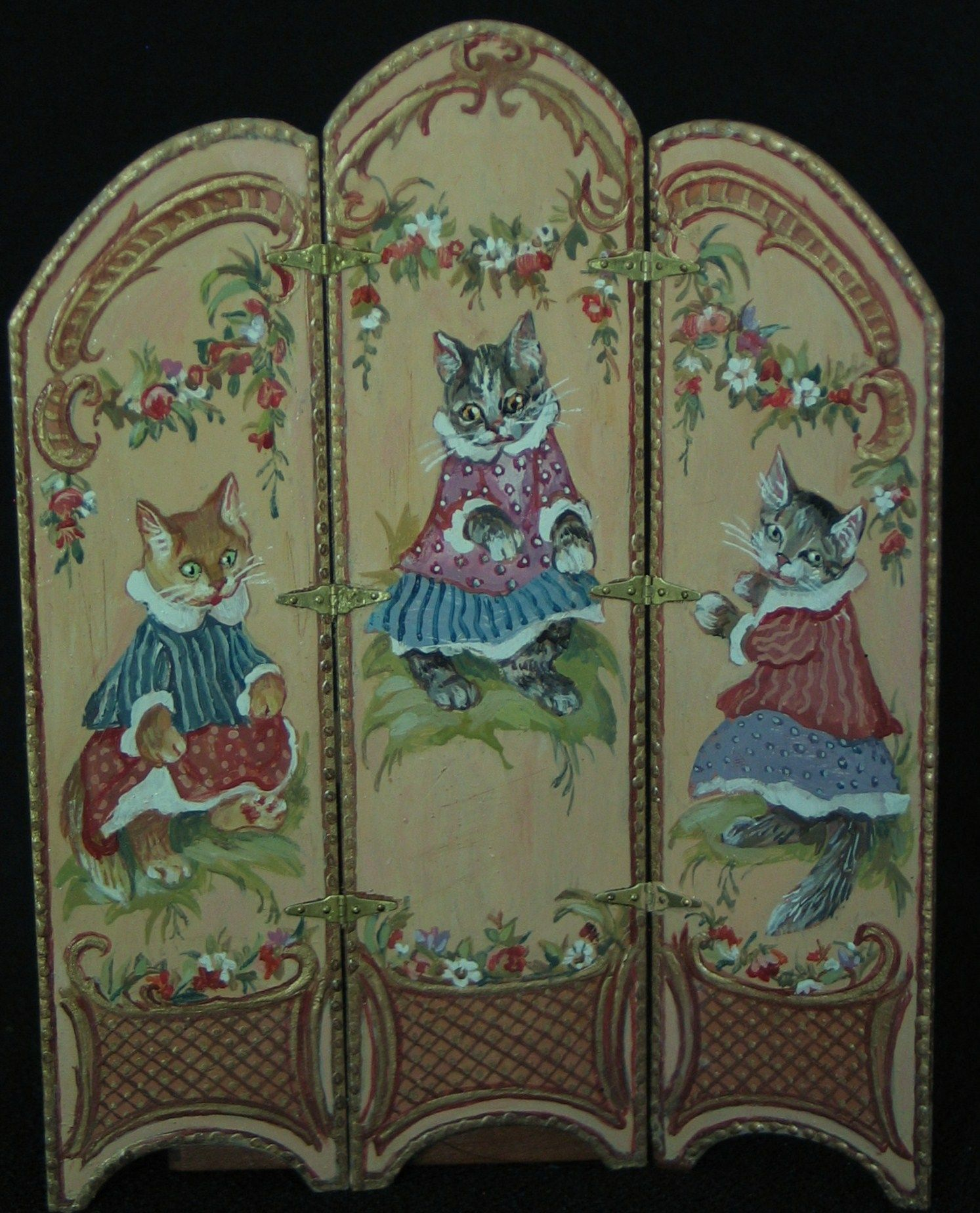 Google+ (Kittens - a lovely painted screen by Natasha Beshenkovsky - would look wonderful in a nursery or child's bedroom)