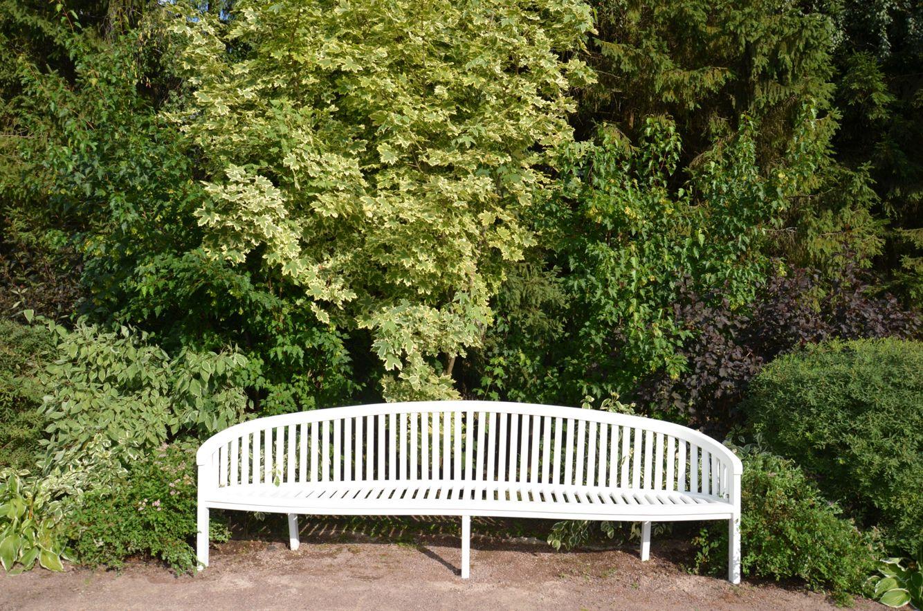 Скамейка  garden bench
