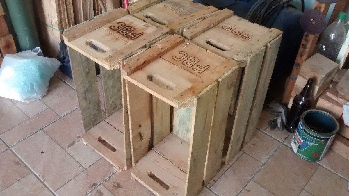Caixote de madeira <br>medidas: 58x30x30 <br>Acabamento CRU <br>Trabalhamos nas opções : Lixado e pintado