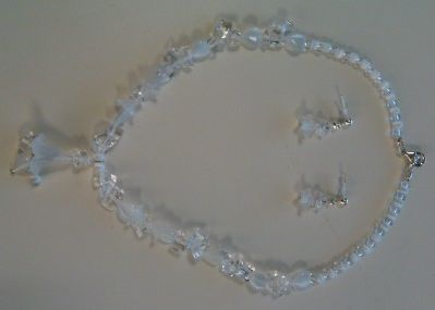 White-Opalescent Necklace and Earrings Set