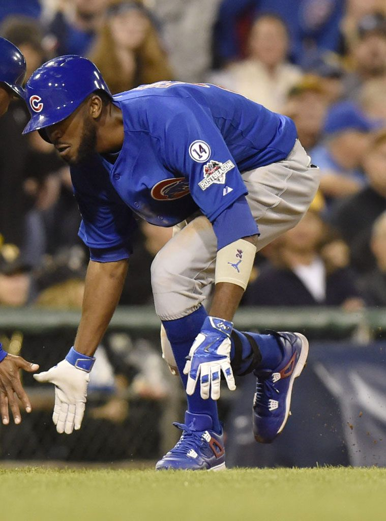 Mlb Solewatch Dexter Fowler Helps Cubs Advance In Air Jordan 4 Cleats Chicago Cubs Baseball Chicago Sports Teams Cubs Baseball