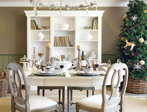 christmas dining table decoration ideas modern white furniture and chandelier lamp - Christmas Dining Room Table Decorations