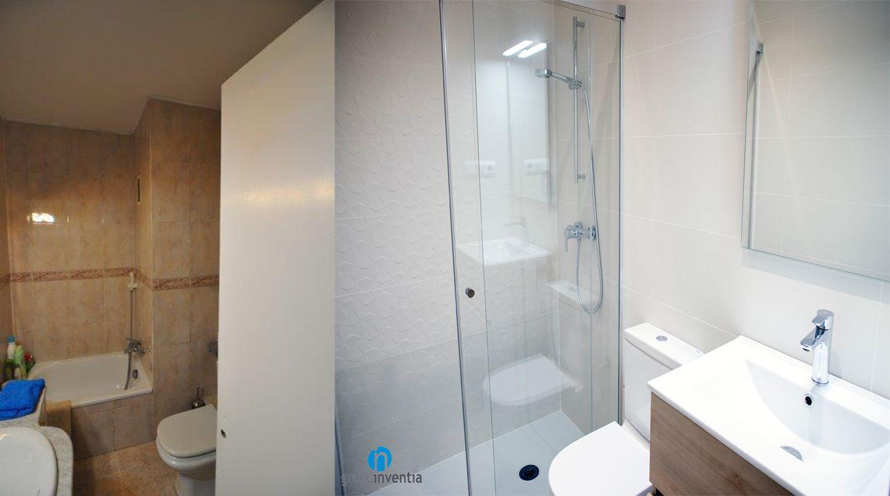 El cuarto de baño cuenta con un equipamiento sanitario ...