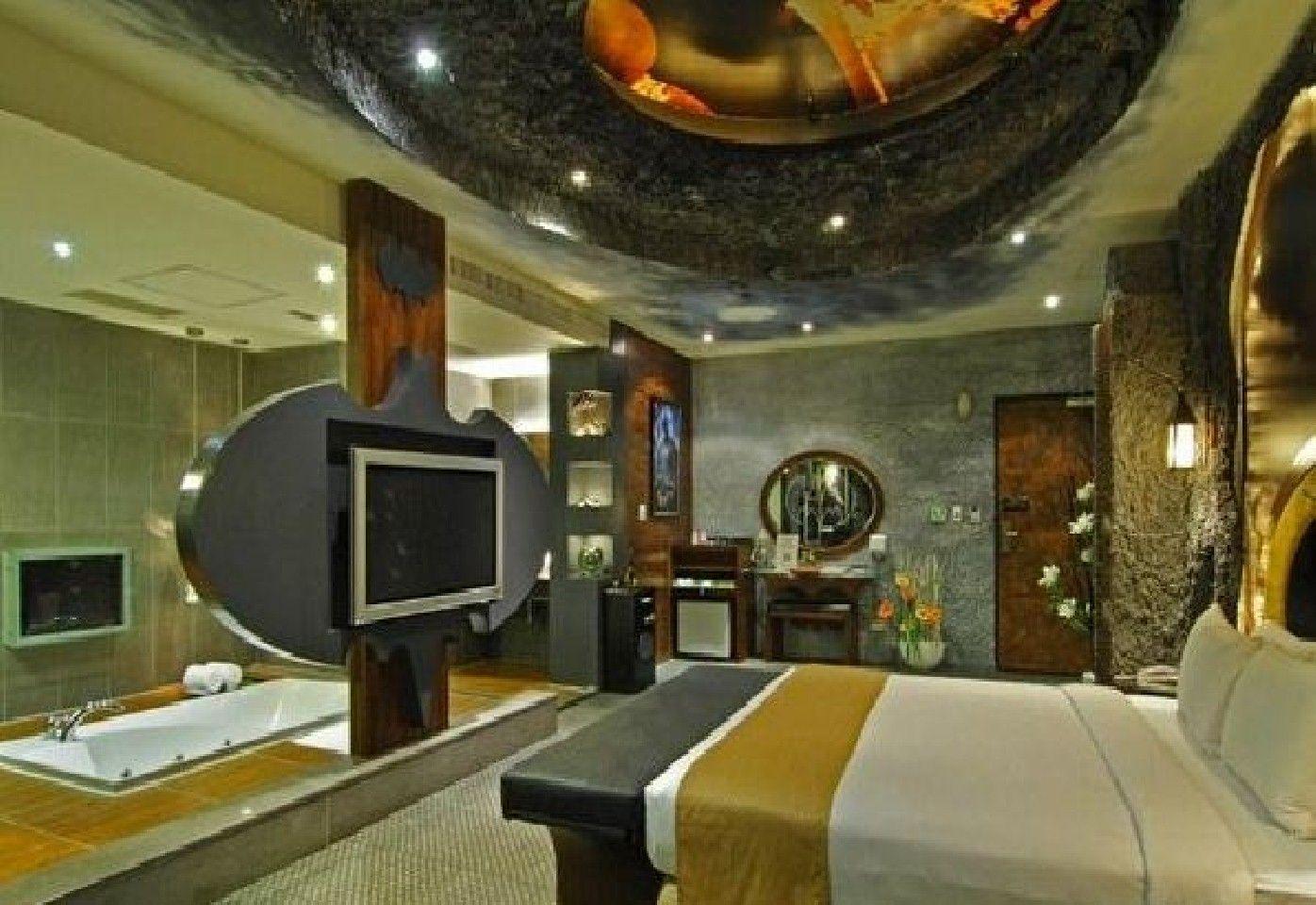 Amazing Bedrooms | Amazing Bedroom Design with Batman-Inspired ...