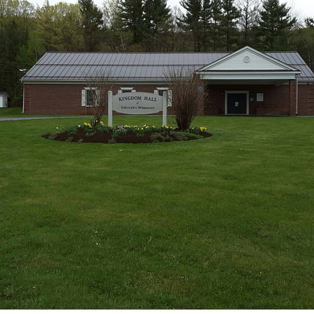 Our old Kingdom Hall in Vermont. Really different landscaping compared to our Az. Kingdom Hall:)