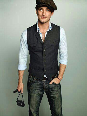 vest + collard shirt + jeans.  Always a winning combo.