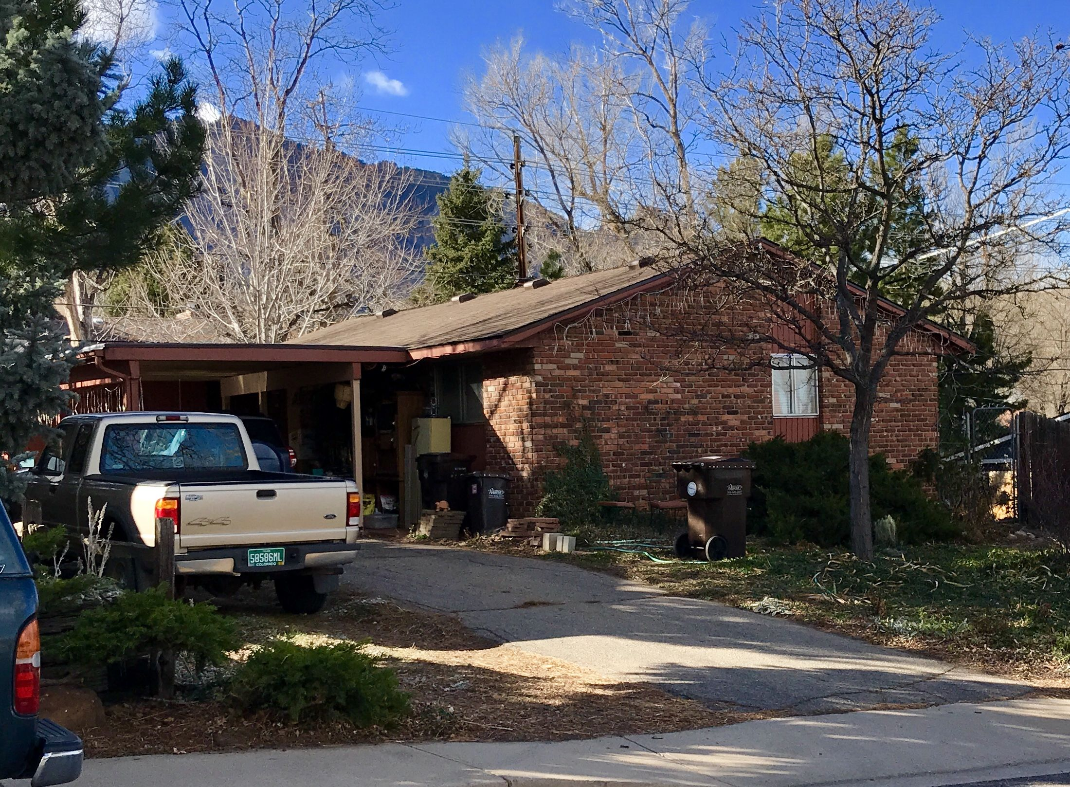 Best This Home In Boulder Was Re Roofed With Barkwood Shingles 640 x 480