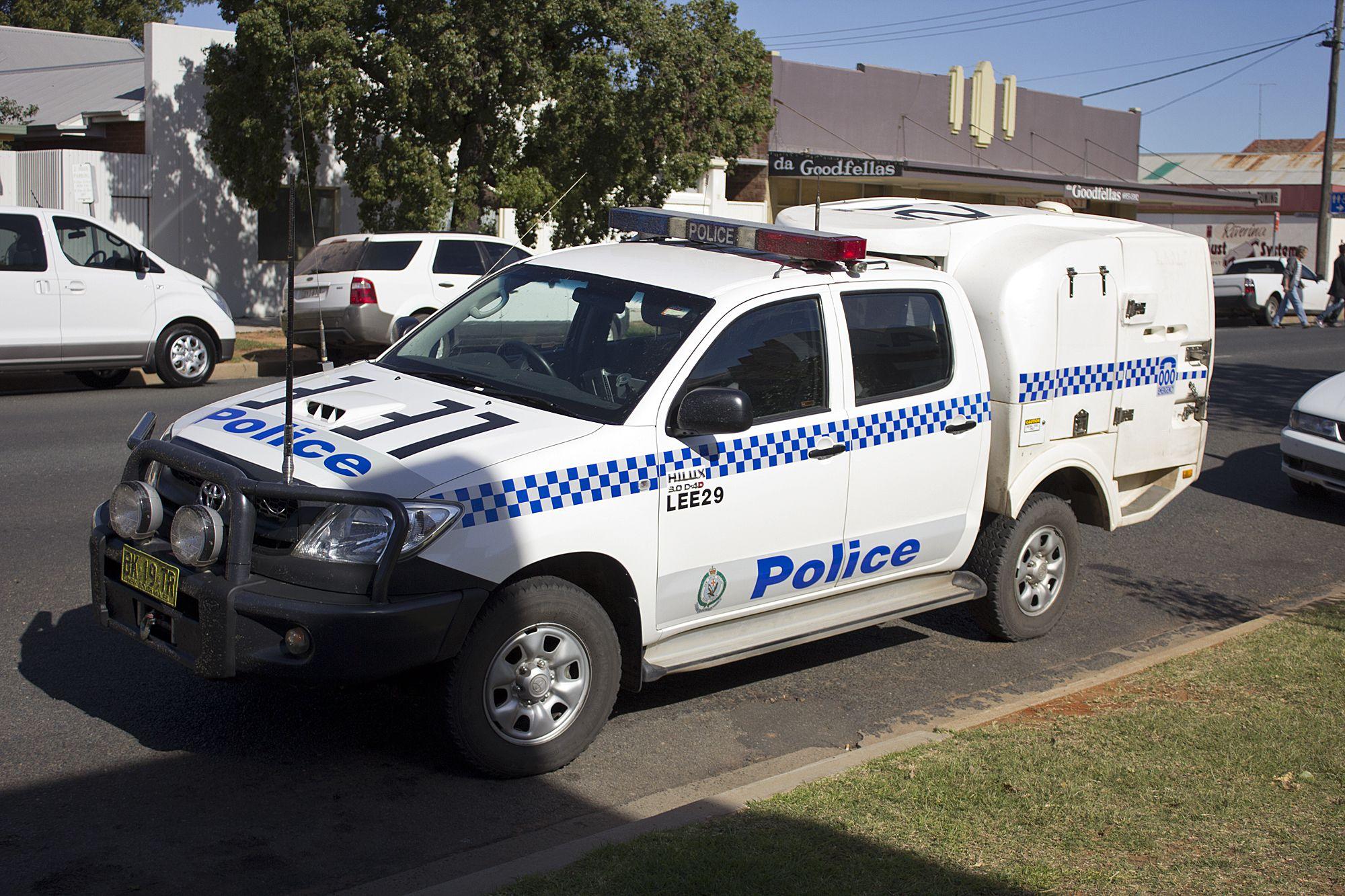 Australian Police Nsw Pf Leeton 29 Toyota Hilux Em Ser Police
