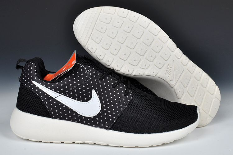 Nike Roshe Run Womens Black White Sail 511882 010 | Nike Roshe Run