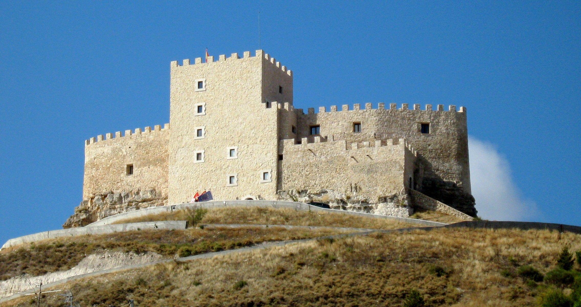 Curiel De Duero Valladolid Medieval Castle Castles Interior Valladolid