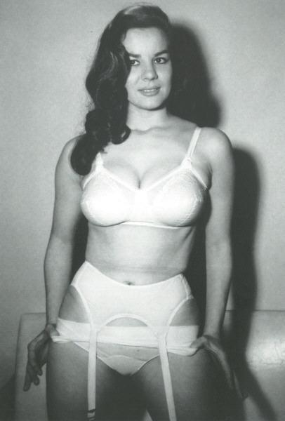 2e62c540a Anita Ventura (Bazoom Burlesque)
