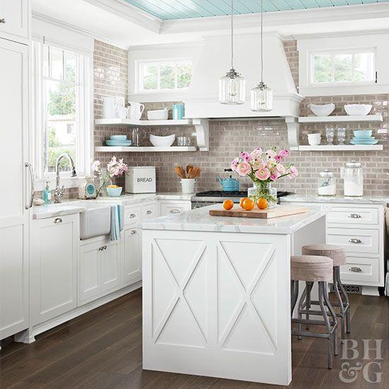 Ocean Kitchen Decor: Check Out This Coastal Kitchen Design