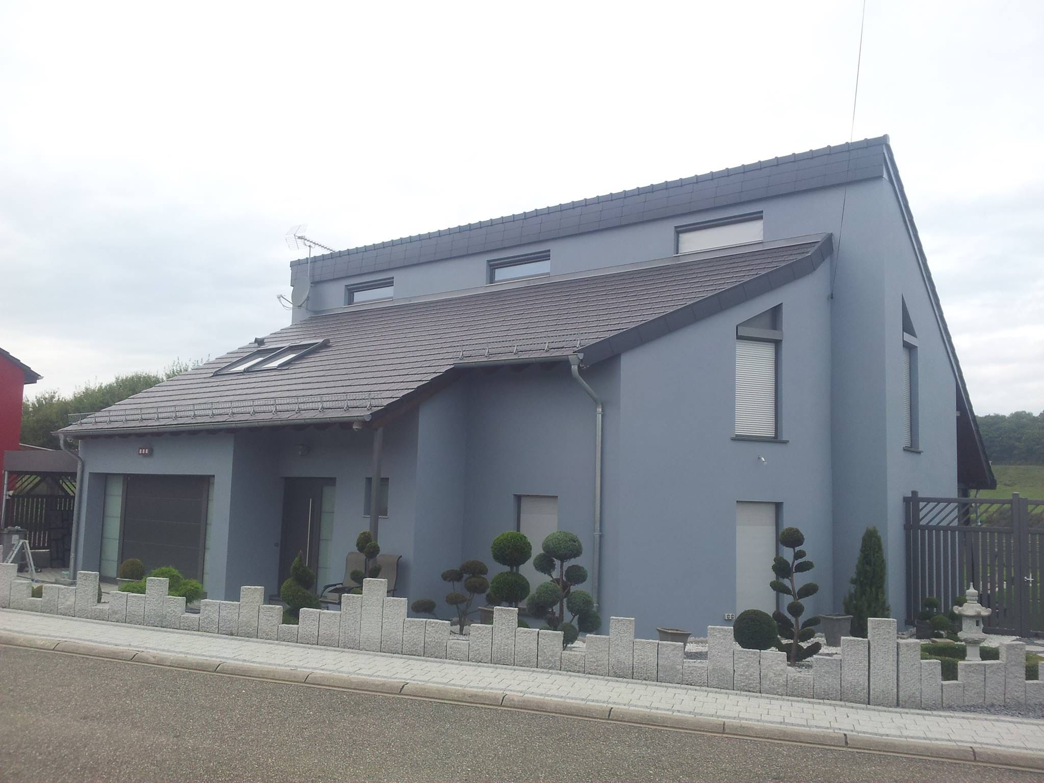 Moderne Fassade In Modernem Schlichten Grau