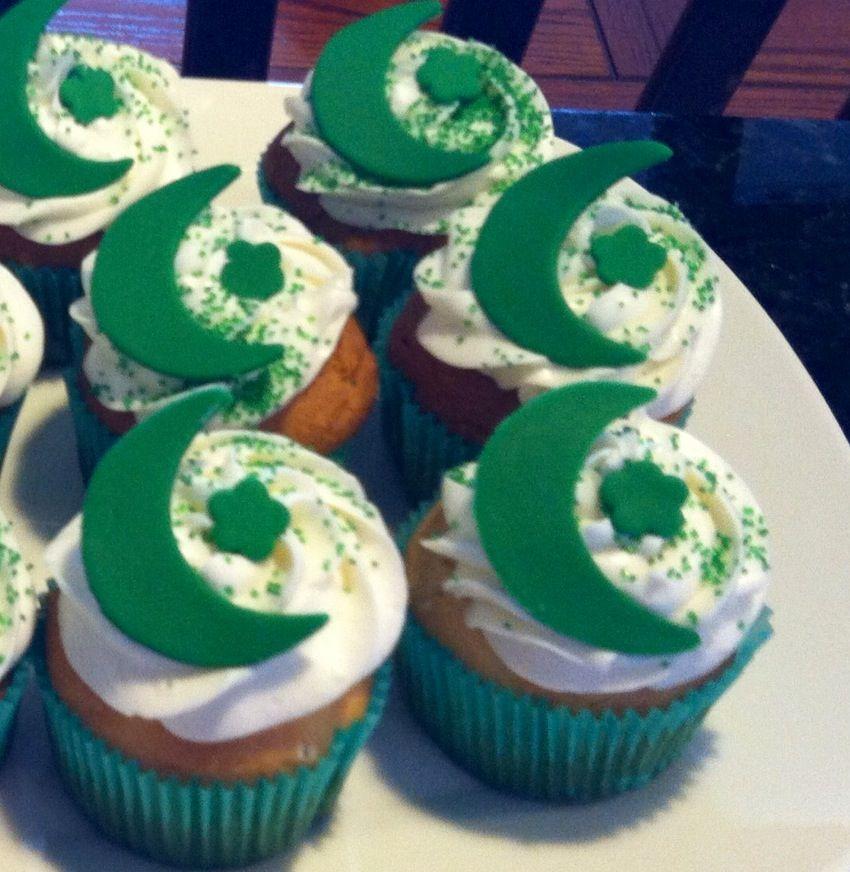 Eid cupcakes   Eid cupcakes, Dessert decoration, Eid cake