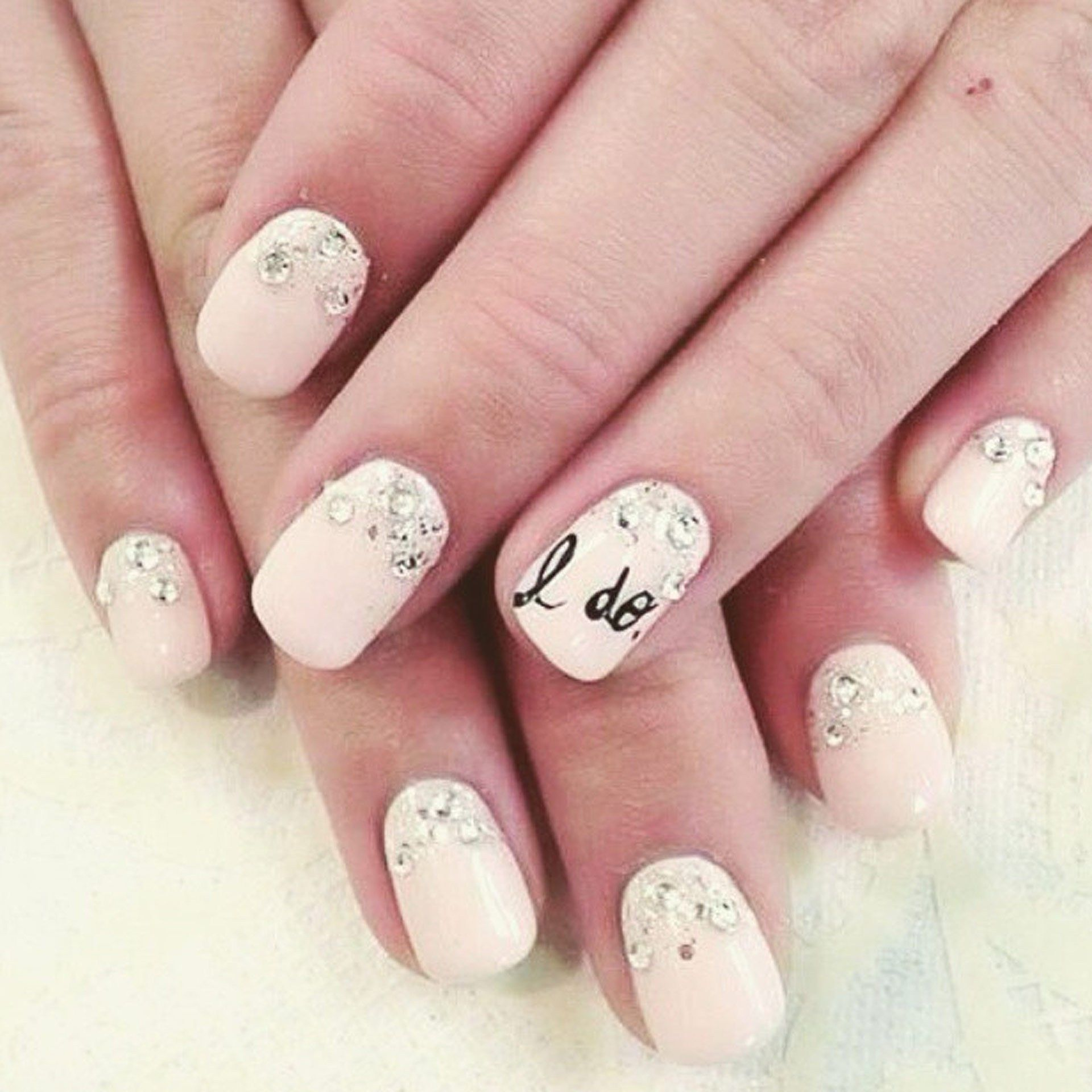 14 Wedding Manicure Accents That Will Add The Touch Of Whimsy ...