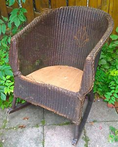 Antiquite Collection Magnifique Chaise Berceuse En Rotin Naturel Art Objets A Collectionner Levis Kijiji Wicker Chair Outdoor Furniture Wicker