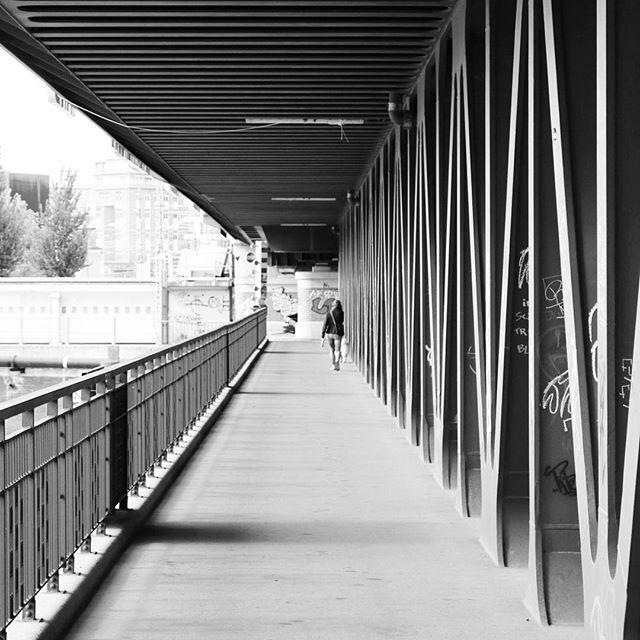 #oberhafenbrücke #hafen #hh #hhome #hamburg #welovehh #wearehamburg #ig_hamburg #igershh #igershamburg #blackandwhite #latergram #bridge #perspective #mood #explorehamburg #pattern #architecture #mood #crossingthebridge #weekend #justgoshoot #clean #minimalism #underthebridge #hafenliebe #hhahoi by mattscudder80