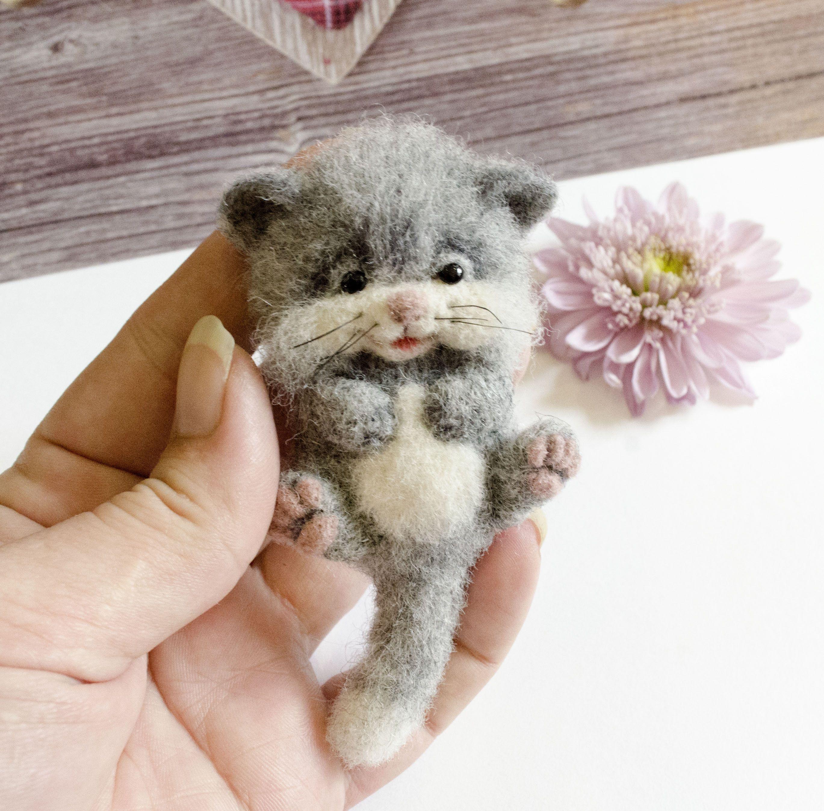 Animal Brooch Cute Gray Kitten Felted Cat Ooak By Needlefeltedtoysart On Etsy Cute Hamsters Grey Kitten Felt Cat