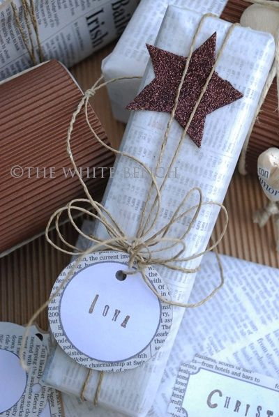 Here's the first of several posts to inspire you to be creative this Christmas !   Let's start with some inexpensive gift wrapping ideas .....