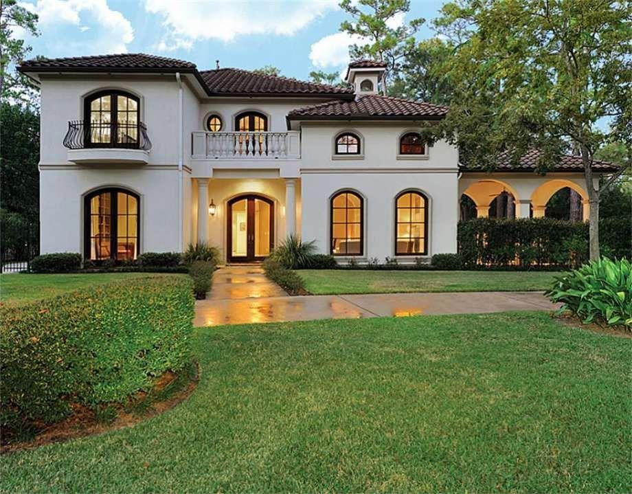 Mediterranean Homes For Sale In Australia Tuscanstyle Spanish Style Homes Mediterranean Style Homes Mediterranean Architecture