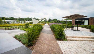Breng een bezoek aan ons toonpark en start met een gerust hart uw verhardingsproject!