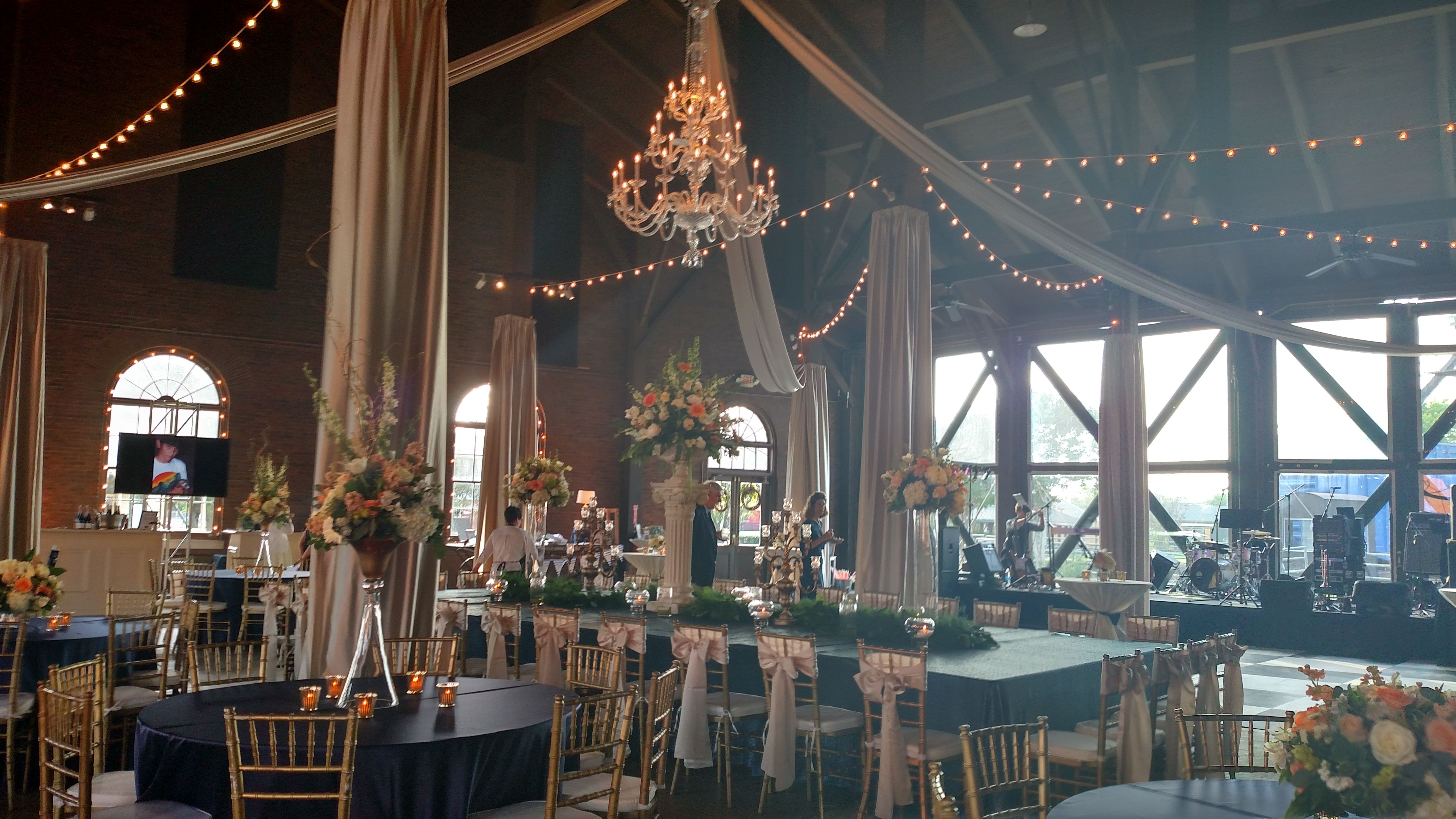 Huntsville Historic Depot Roundhouse Wedding Venue Round House