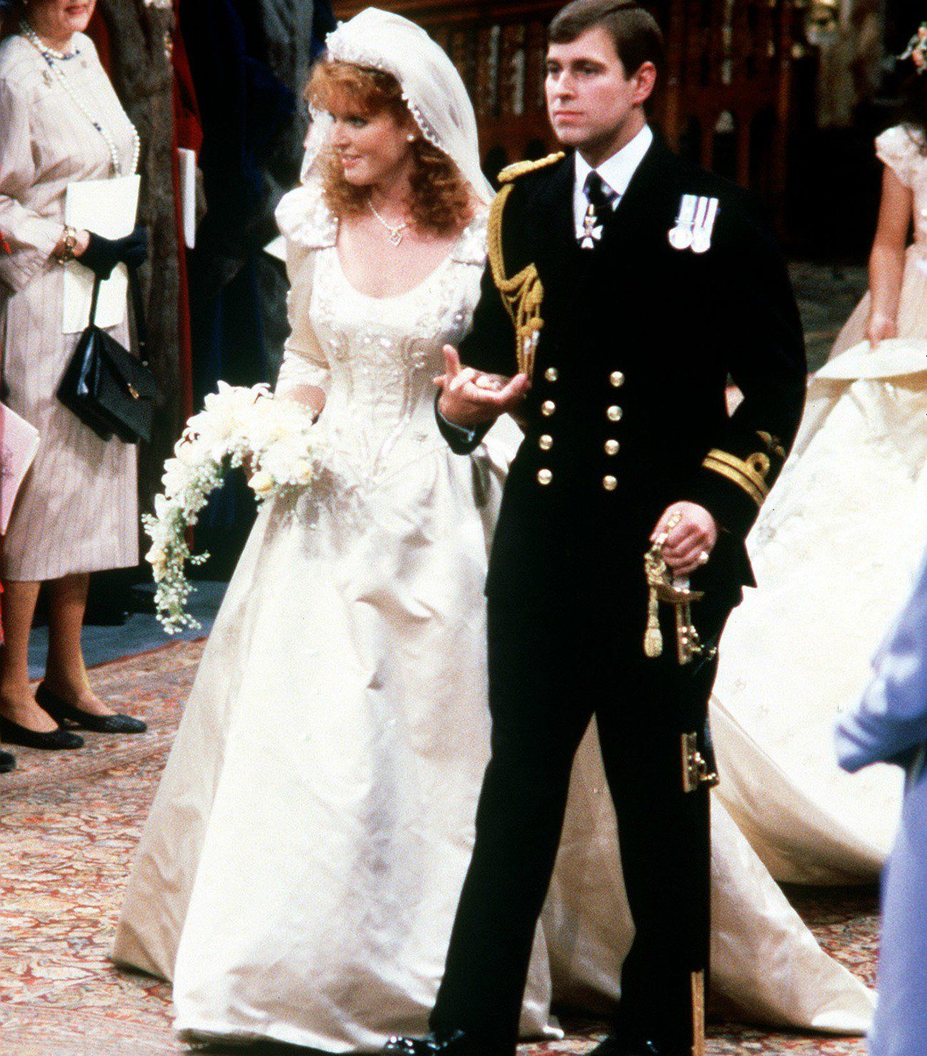 The Story Of Fergie S Wedding Dress Reveals What It S Really Like