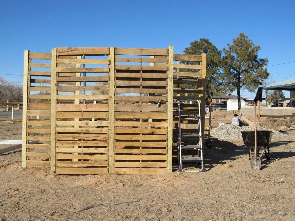 Pallet Windbreak Fence Ideas Pinterest Greenhouse Electric Fencing For Dummies Features Horsetalkconz Construction Pallets Boards Wooden