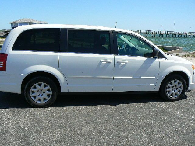 Chrysler Town Country Lx 2010 Chrysler Town And Country Check