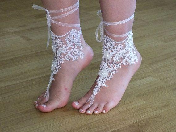 white bridal anklet, Beach wedding barefoot sandals, bangle, wedding anklet, anklet, bridal, wedding. french lace. handmade.