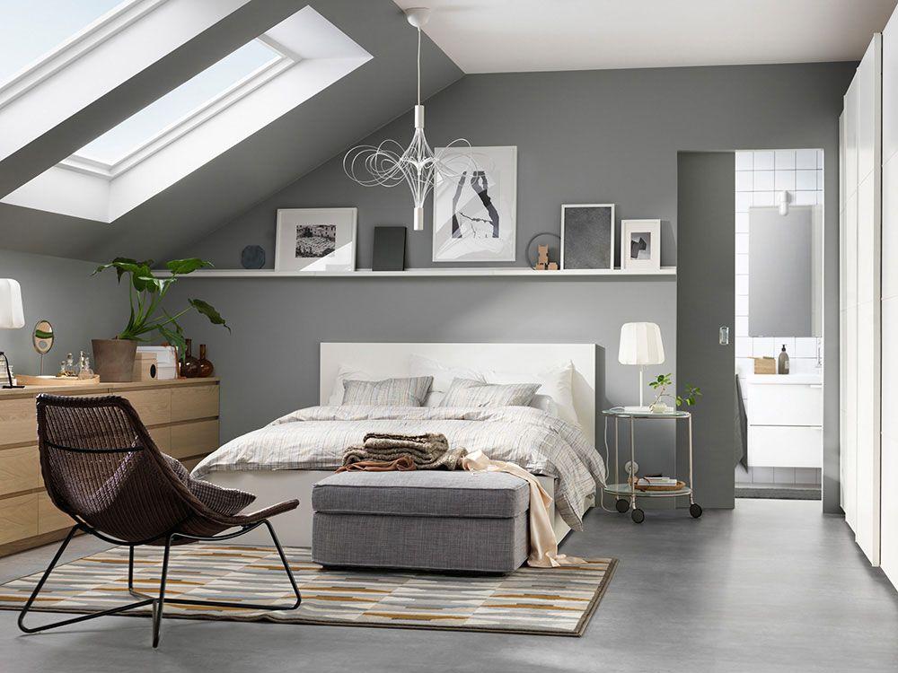 Schlafzimmer raumgestaltung ~ Schlafzimmer landhausstil hölzerne akzente und weiße wände