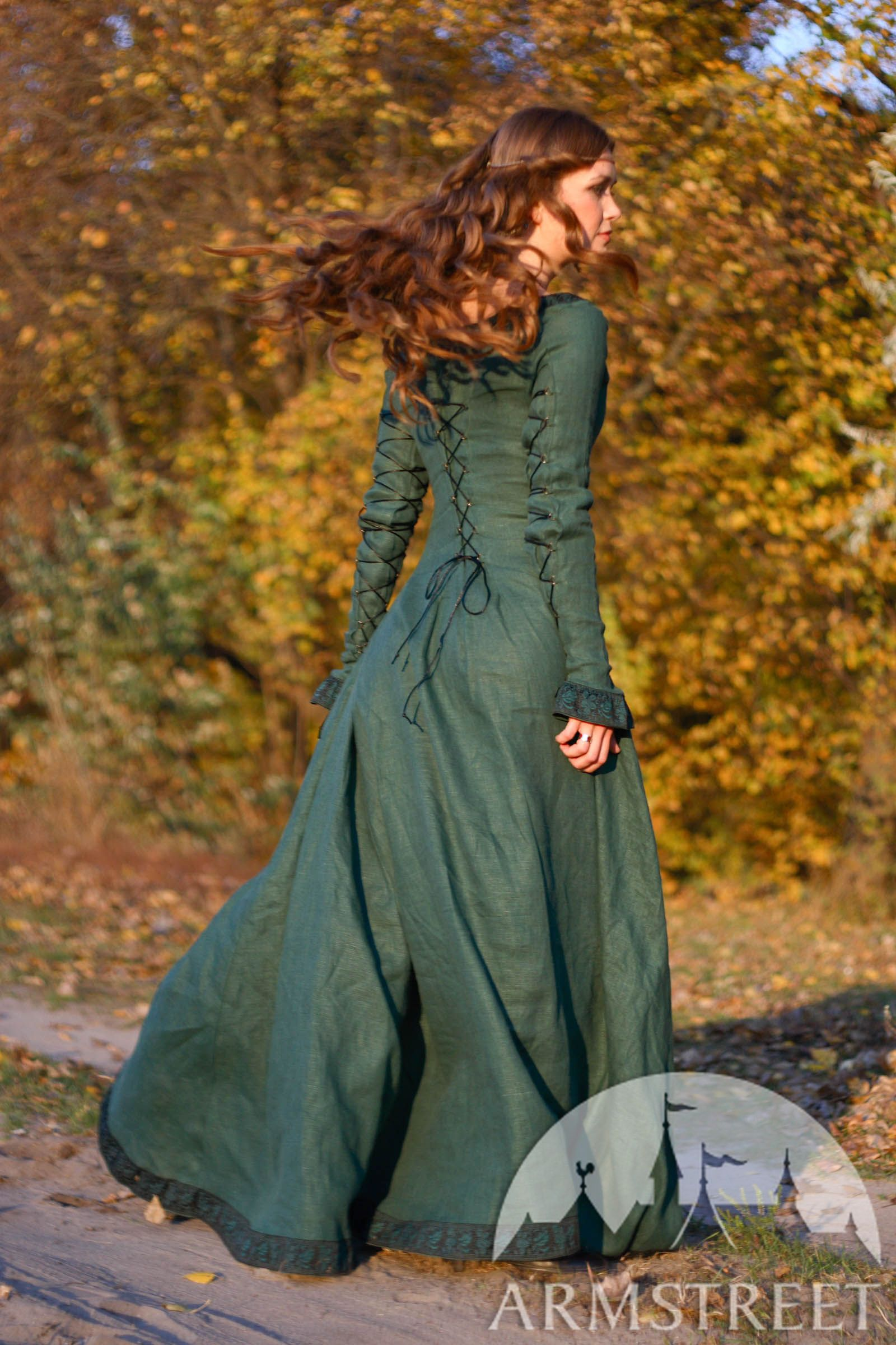 """Medieval Dress """"Autumn Princess"""" in green at a discounted"""