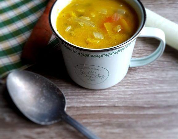 Potage aux légumes détox après les fêtes ~ Litchi & Vanille #aux #crockpot soup #detox #easy soup #légumes #Potage #potato soup #soup healthy #soup recipes #soupe #soupe froide #soupe legumes #soupe minceur #soupe potimarron #soupedetoxminceur