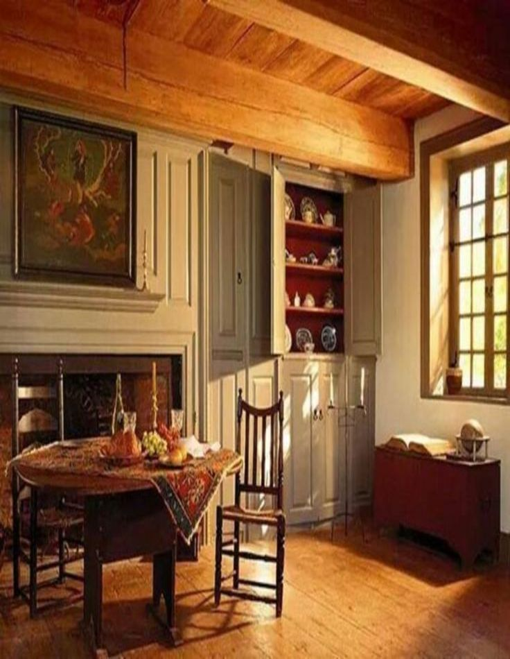 20 Modern Colonial Interior Decorating Ideas Inspired By Beautiful Colonial Homes: Colonial Dining Room, Colonial Home Decor, Colonial Decor