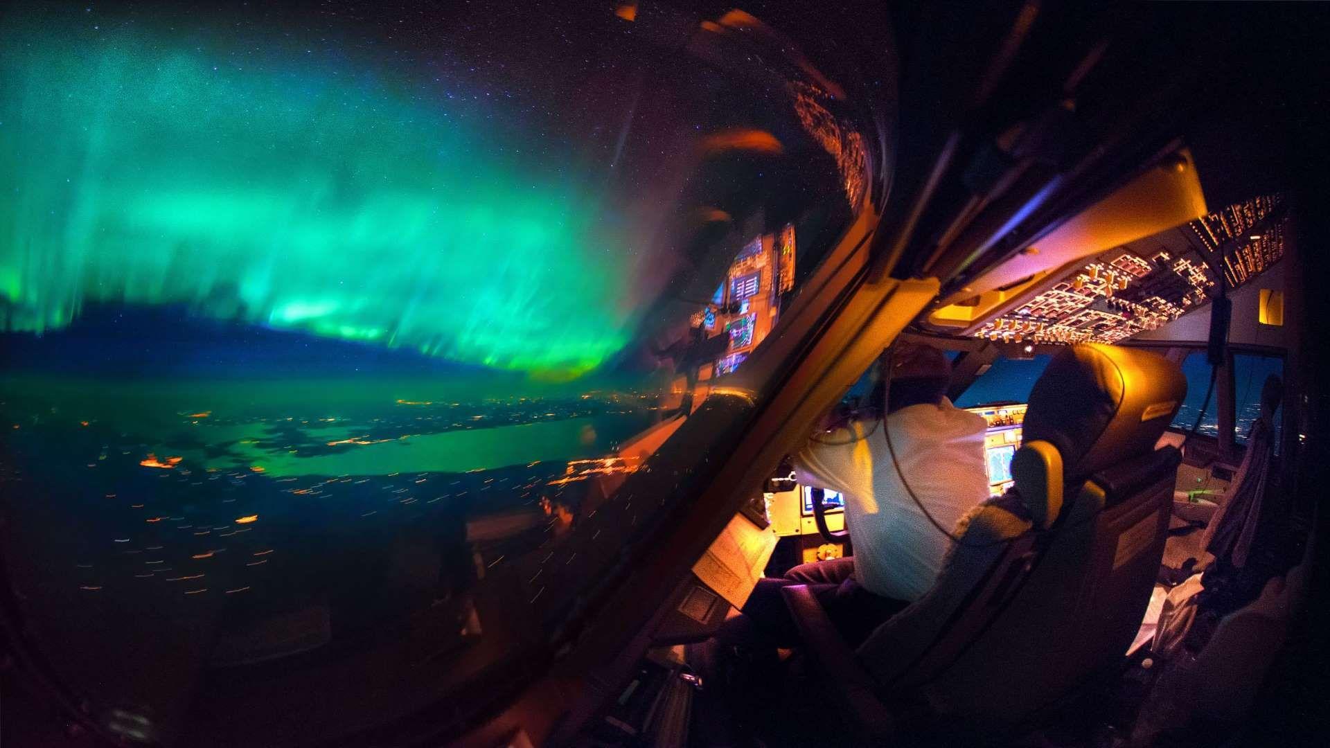 Caters Stars At Flight 08 Christiaan Van Heijst Daans Krans