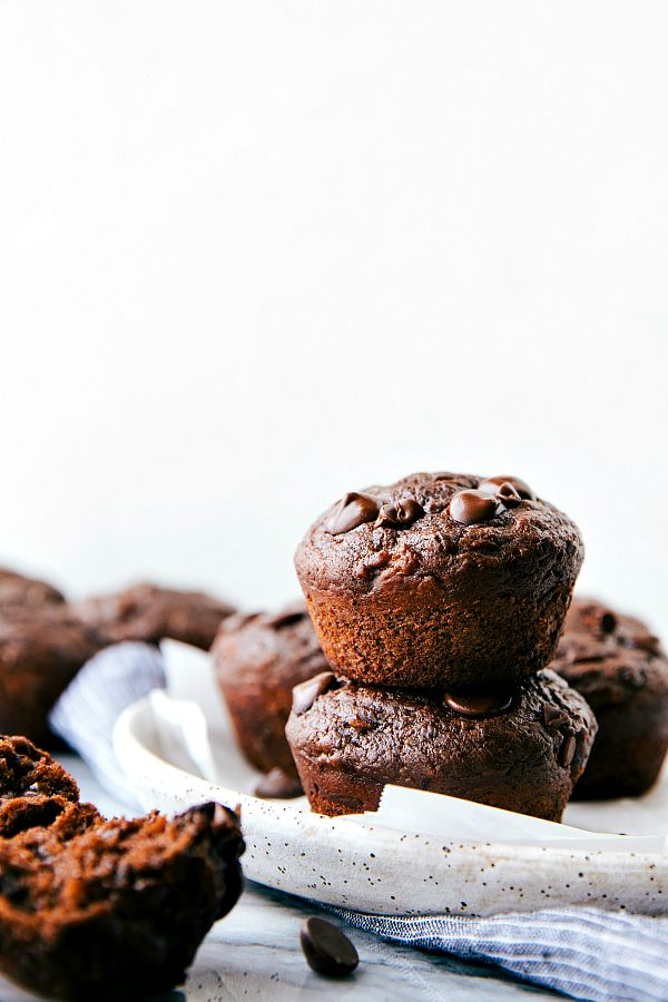 greek yogurt chocolate banana muffins