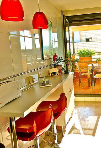 La casa de Beatriz y David Cocinas, Barra desayunadora y Terrazas - cocinas con barra