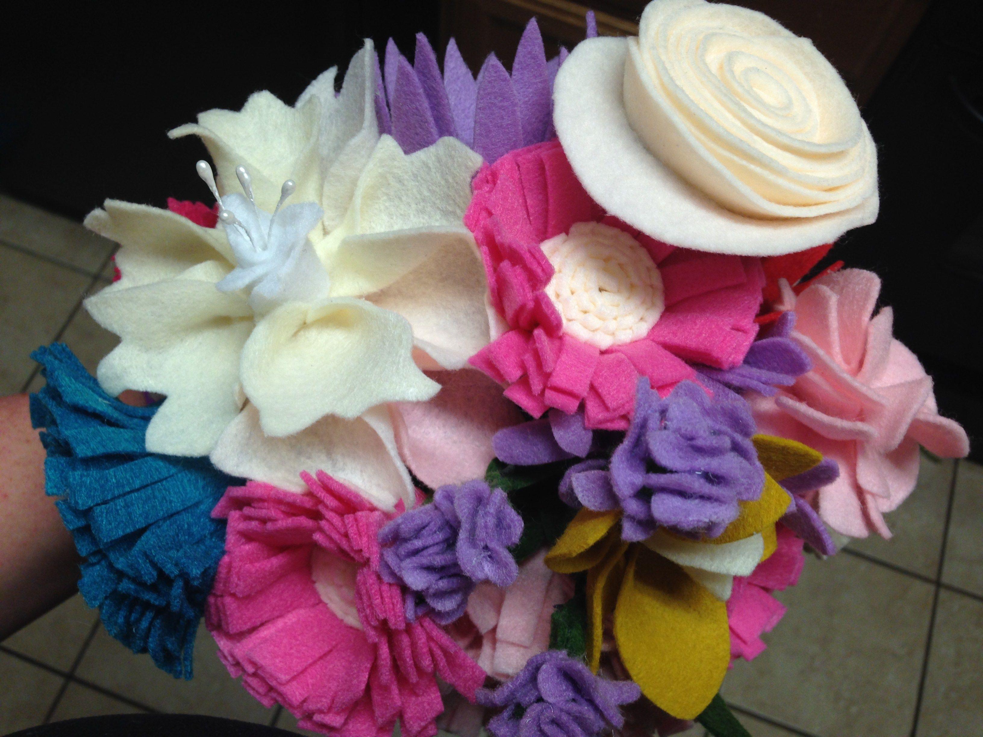 Felt flower bouquet tutorial felt flower bouquet felt tutorial felt flower bouquet tutorial izmirmasajfo