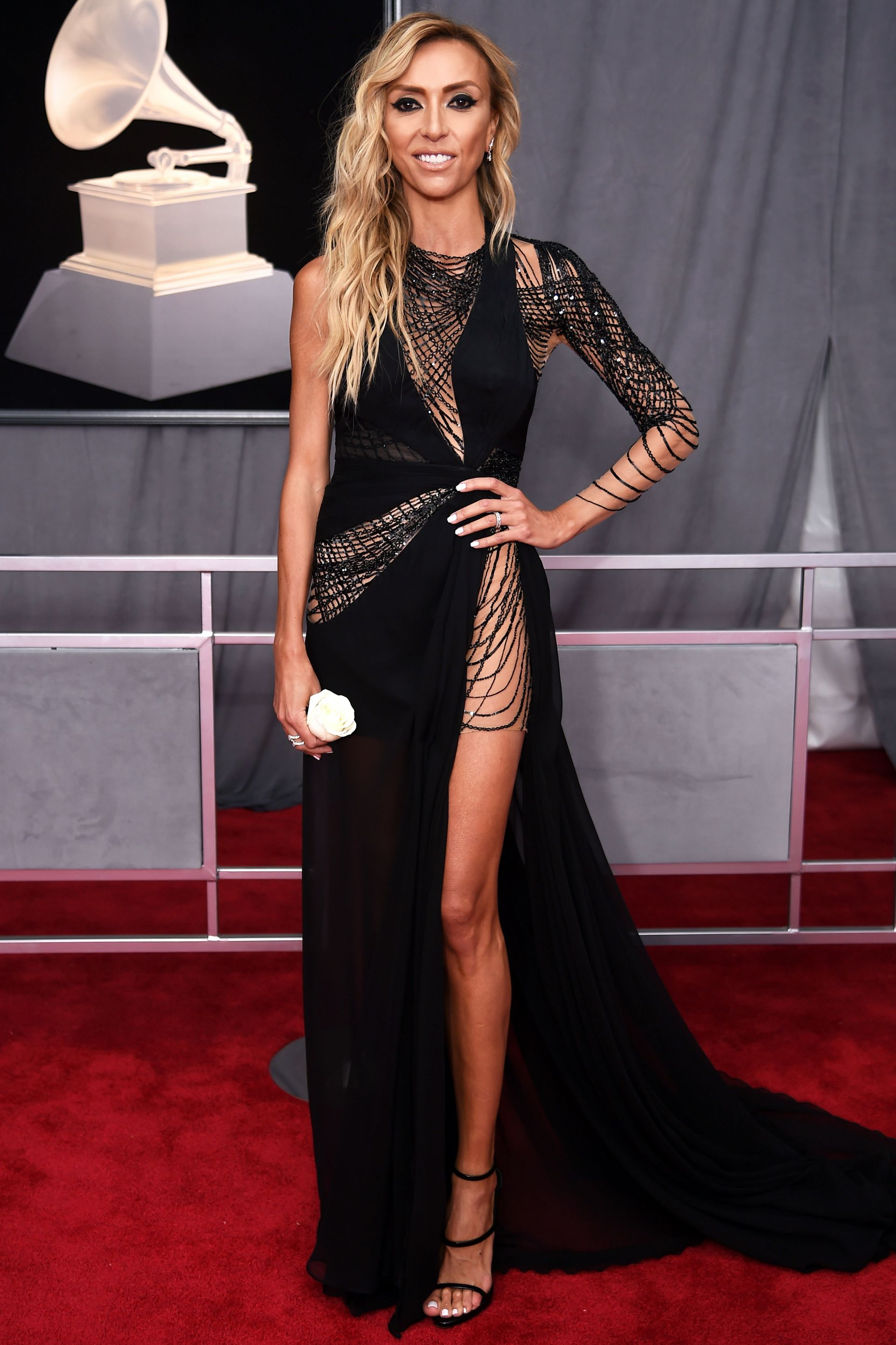 Grammys Red Carpet Fashion And All The Red Carpet Looks Celebrity Black Dress Grammy Fashion Female Celebrity Fashion [ 2882 x 1921 Pixel ]