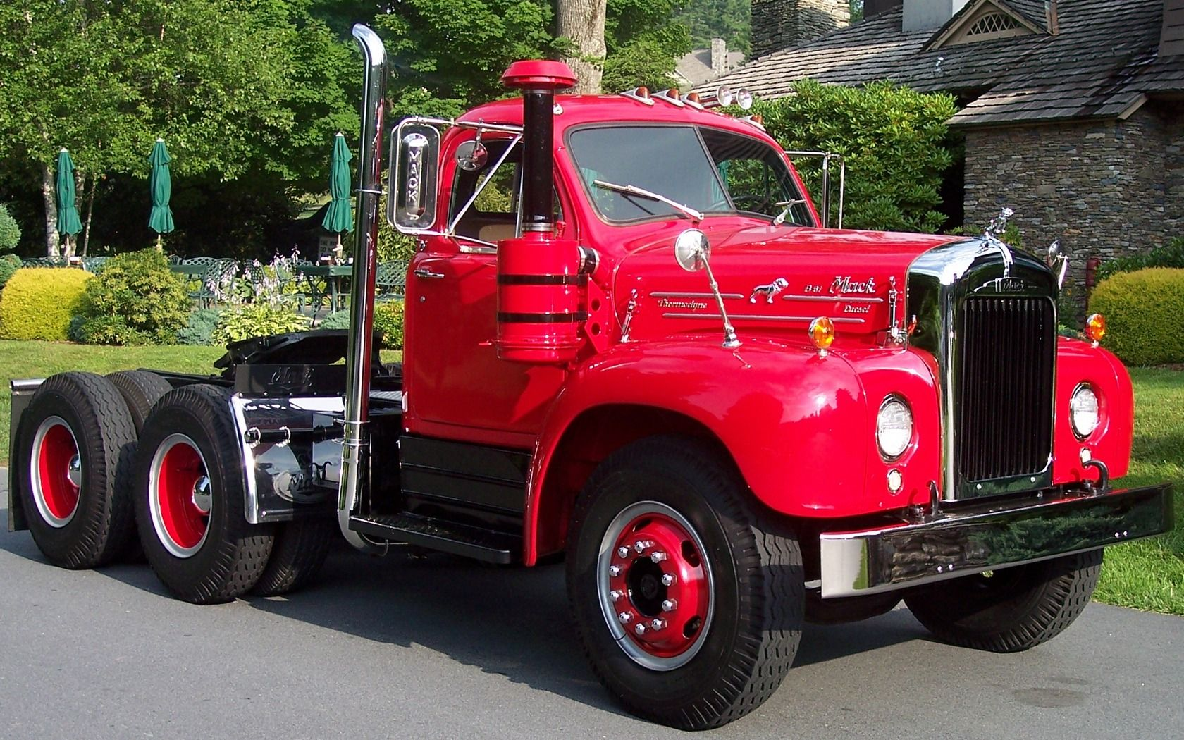 Download Full Size Old Mack Trucks Wallpaper 1680x1050 With