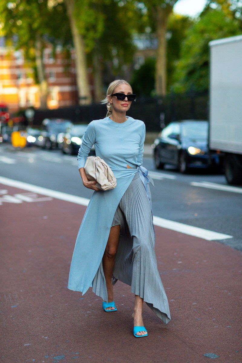 Eye-catching prints and colors conquer the streets of London Fashion Week