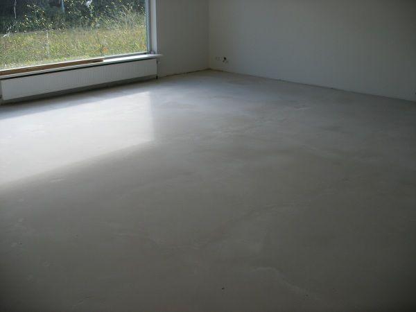 Beton look vloer met egaline en een goede doorzichtige coating